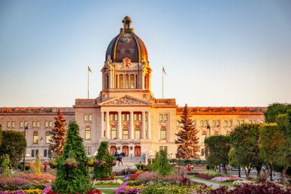 New Saskatchewan Immigration Draw Sees Minimum Score Drop, 496 Invitations